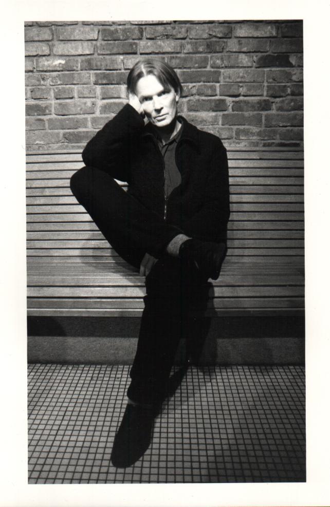 В 1995 году книга была экранизирована, роль Кэрролла исполнил Леонардо